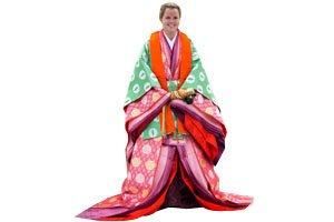 Frau im mehrlagigen kasane-eri Kimono