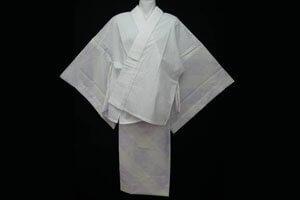 Weißer nibushiki Kimono