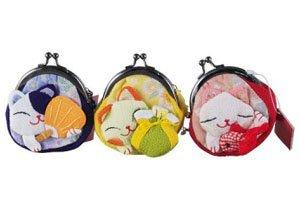 Gamaguchi Nekos. Drei verschiedene Katzen.