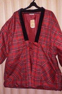 Hanten Rote Kimono Jacke mit Schachbrettmuster.